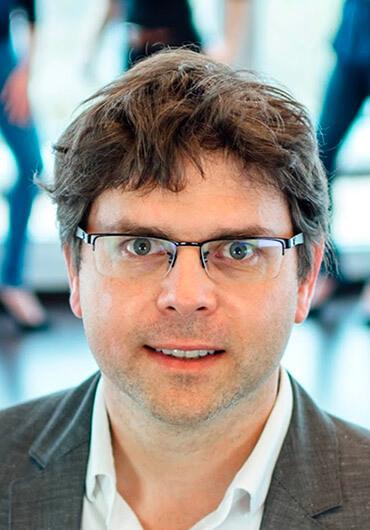 Priv.-Doz. Dr. Dr. Philipp Streckbein