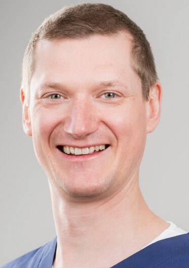 Dr. Sebastian Becher