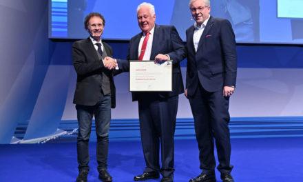 Prof. Dr. Günter Dhom ist Ehrenmitglied der Deutschen Gesellschaft für Implantologie
