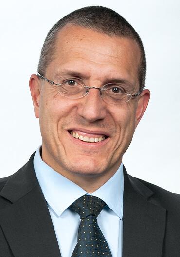 Prof. Dr. med. dent., Dr. h.c. mult. Anton Sculean, M.S.