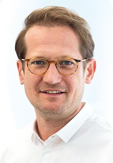 Dr. med. Dr. med. dent. Dominic Hützen