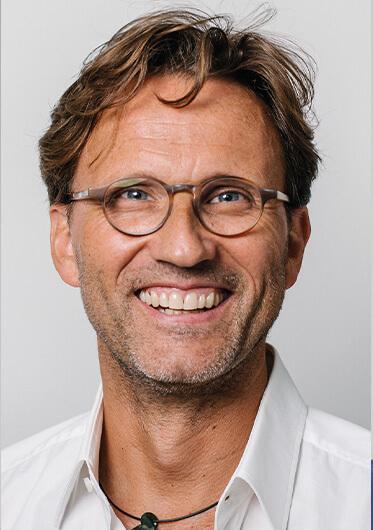 Dr. Frank Hoffmann
