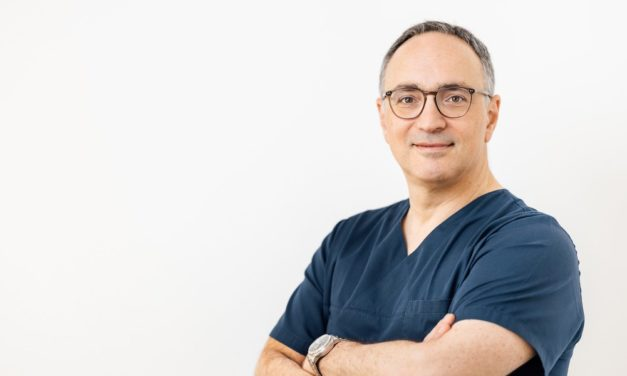 Keramikimplantate im Praxisalltag: Webinar mit Dr. Roman Beniashvili
